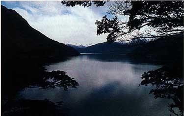Photo of Lake Futalaufquen